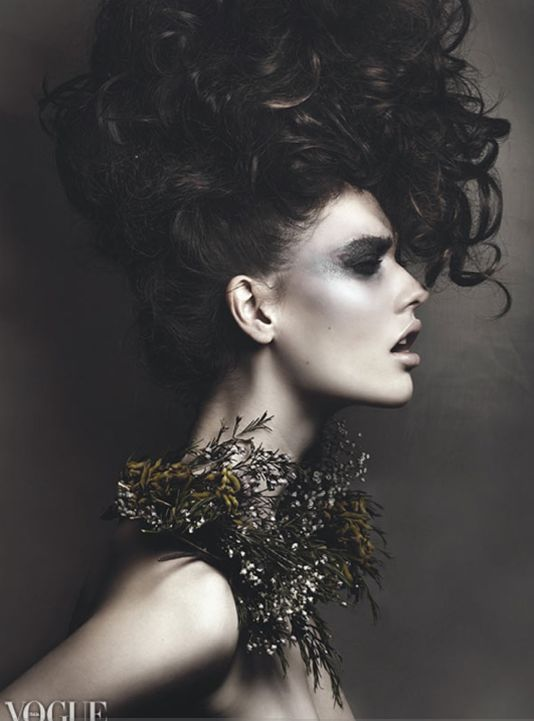 VOGUE ITALIA ONLINE Hair and Makeup by Anna Nenoiu ...