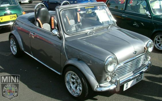 Awesome Wide Arched Wednesday Mini Roadster! Would be perfect to take on a run in this late summer sun we are having.
