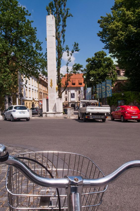 Fietstochten: Waarom zou je alleen de Sloveense natuur per fiets ontdekken? Pak…