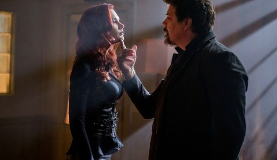 Risultati immagini per van helsing serie tv vampiri: