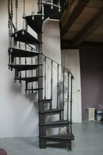 Mansions spirals and french on pinterest - Escalier colimacon petit diametre ...