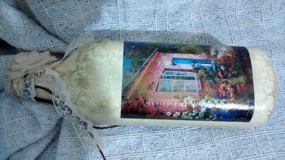 Garrafa de Vidro Decorada com Decoupage