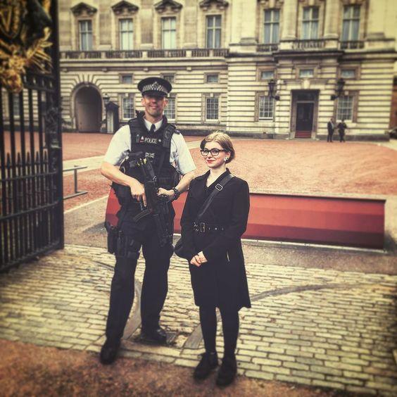 Dieses ACAB gilt für uns scheinbar nicht :) #FetteWumme #London #PicswithPolice by felixsschulz