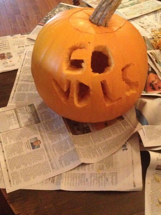 Pumpkin carving, vols style.