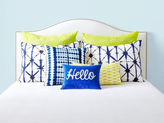 HGTV Magazine shows you a series of pillow combinations that immediately up your bedroom style.: