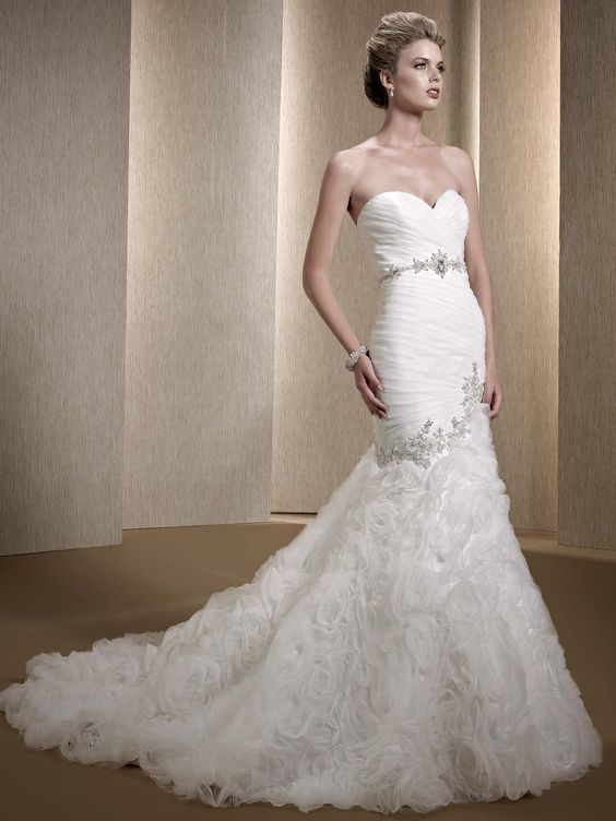 All Eyes on You in an Elegant Kenneth Winston Wedding Dress. To see more: http://www.modwedding.com/2014/01/26/all-eyes-on-you-in-an-elegant-kenneth-winston-wedding-dress/ #wedding #weddings #fashion