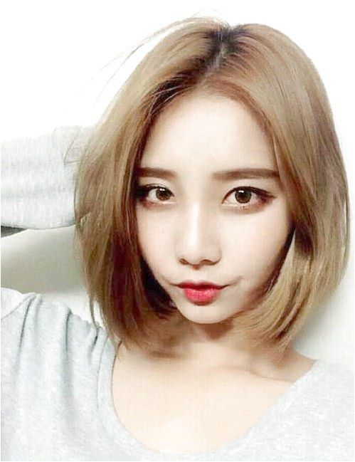 Short Hairstyles For Fine Hair A Bob Shortfinehair If You Liked This Pin Click Now For More Deta Korean Short Hair Short Hairstyles Fine Korean Hair Color