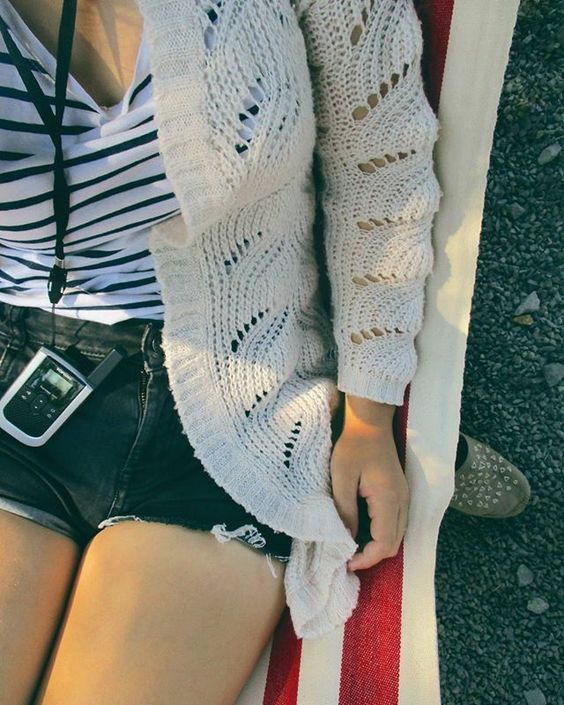 Pohoda je. 👌👌👌 #mamesiete  #dolezitaosobasom #vysielackumam#pohoda #chill #dnesoddychujem #dnesnosim #dnesneessentials #dnesfotim #dnessahojdam #ootd #outfit #relax #dinnertime #camp #tábor #Hermanovce #summer #stripes #slovakblogger #insta_svk