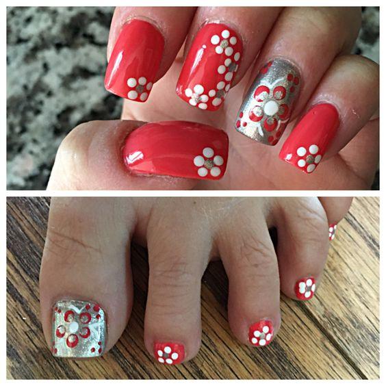 Flower nail art. Gel polish
