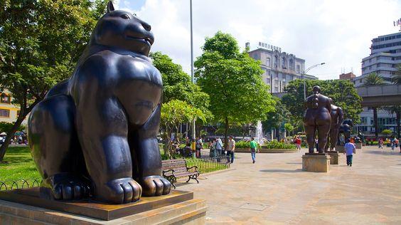 Parque de Esculturas da Plaza Botero em Medellín (e cidades vizinhas), Colômbia | Expedia.com.br