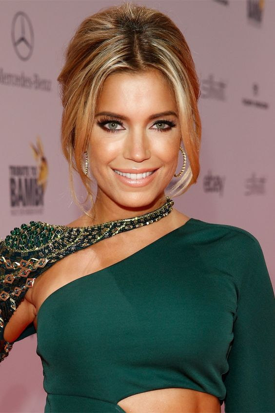 sylvie meis fr her und heute sexy models und kl nt r. Black Bedroom Furniture Sets. Home Design Ideas