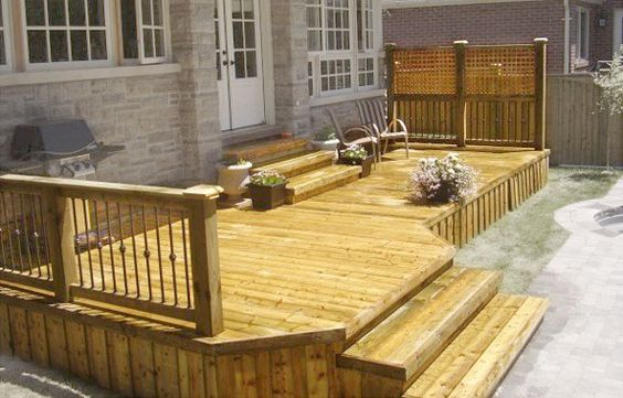 Simple deck design i would like this one on the front of for Simple outdoor decks