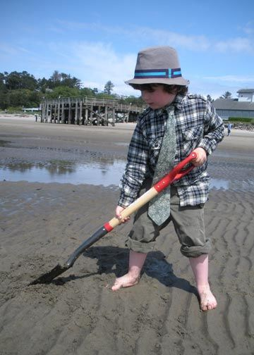 Clamming on the Siletz Bay in Lincoln City, OR is Super Fun!