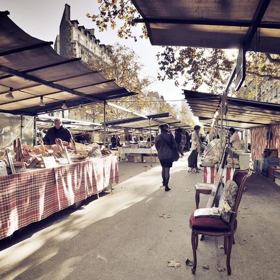 Marche de Saxe-Breteuil, 13, Avenue de Saxe - Paris 7 by Damien Vassart, via Behance Thursday and Saturday mornings. (CW20-2)