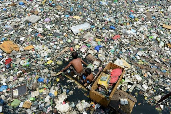 garbage river in phillipines