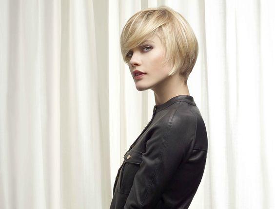 Coiffure : coupe boule effilée , VOG.  Les coiffures de la rentrée 2013 sont là : http://www.femmeactuelle.fr/beaute/coiffure/coupes-cheveux/85-coupes-tendances-de-la-rentree-2013-2014-15826