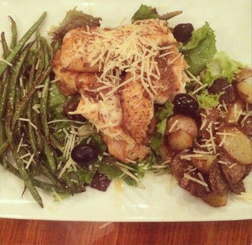 Garlic chicken over a green salad, green beans and potatoes!  THANK YOU Jessie James Decker!