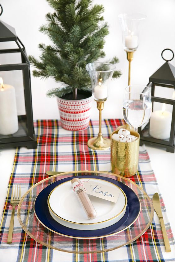 "Guest table + place setting from a ""Let it Snow"" Christmas Party on Kara's Party Ideas 