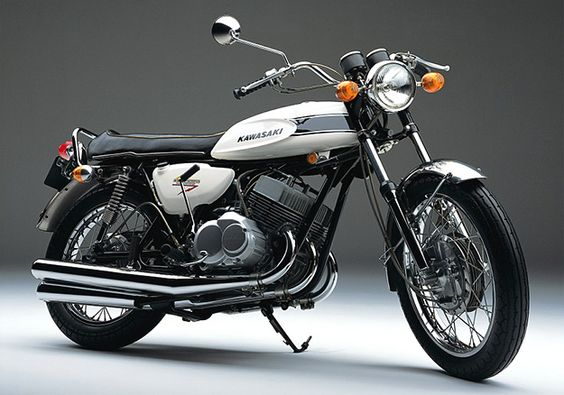 Kawasaki H1 - Wasnt called the Widowmaker for nothing...not a bike if yer ambition outweighed ye talent.