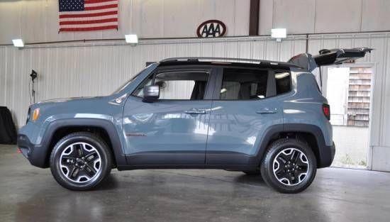 2015 Jeep Renegade Trailhawk Side Jeeprenegade