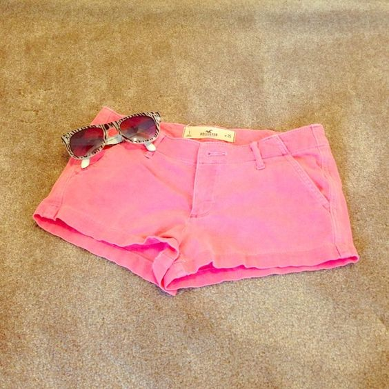 ⚡️BUY ONE GET ONE FREE! ⚡️Hollister shorts size 1 Pink Hollister shorts size 1 w25.  A little faded, reflected in the price.  ⚡️BUY ONE GET ONE FREE⚡️let me know what you'd like and I'll create your own custom listing. Hollister Shorts