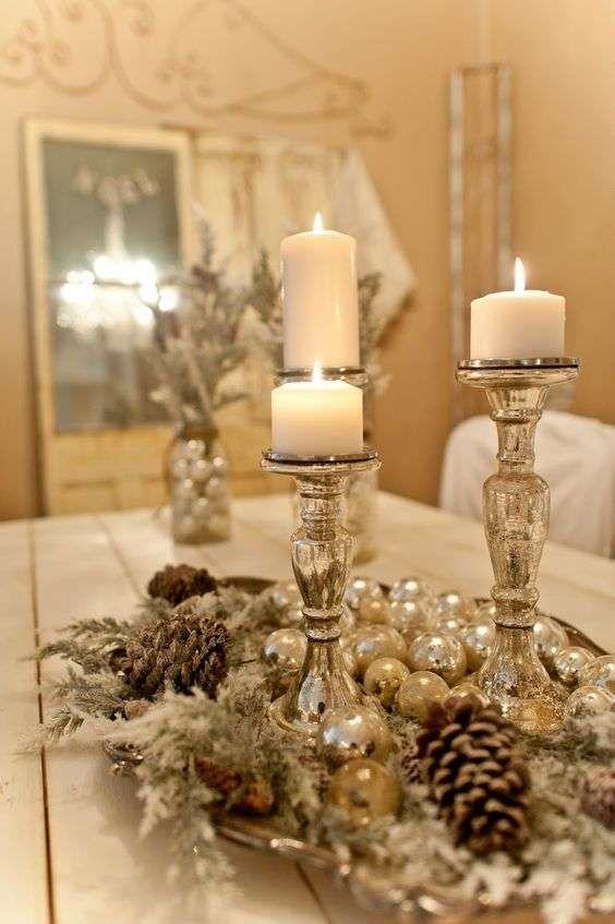 Tutorial, pittura, dischetti di legno, pigne, centrotavola natalizio. Centrotavola Natalizi Christmas Centerpieces Diy Christmas Table Centerpieces Christmas Table Decorations