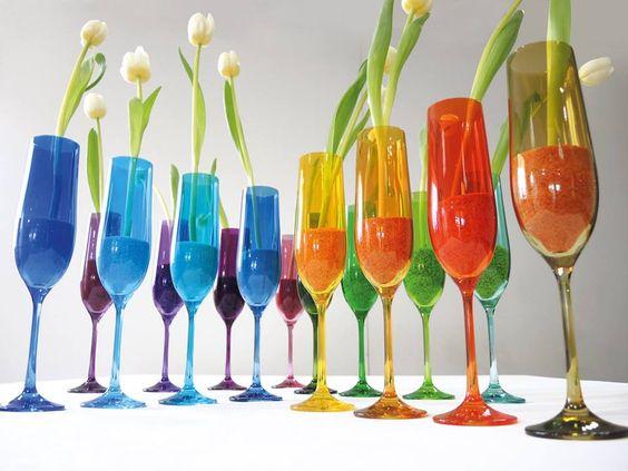 Donnez de la couleur à votre table : flûtes à champagne création Bruno Evrard. #Boutique #Bourgogne