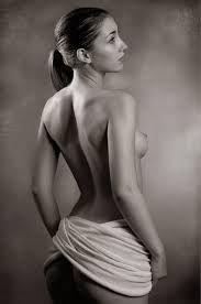 Resultado de imagen para desnudos artisticos en blanco y negro