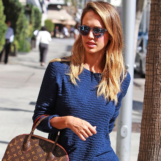 10 lessons in weekend style we can all learn from jessica alba