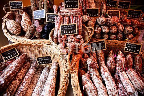 Photography IS098R8JU on www.matton.fr Charcuterie : Banque d'images de droits gérés et libres de droits : Matton Images