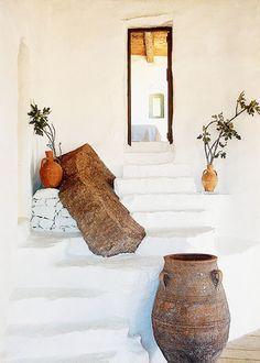 Une maison grecque avec vue imprenable sur la Méditerranée   Blog Déco   MYDECOLAB