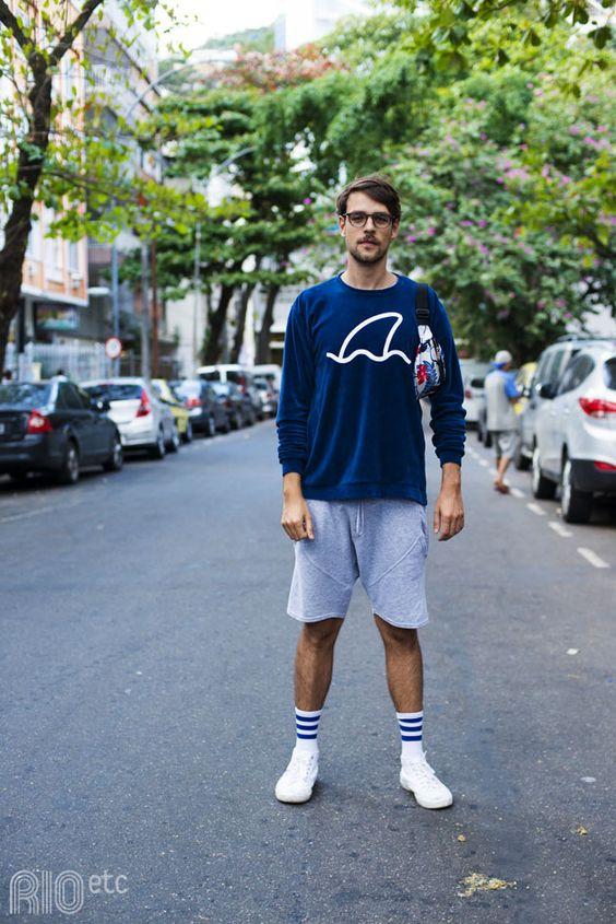 ②ホワイトソックスコーデ:ロングスリーブTシャツ×ショートイージーパンツ