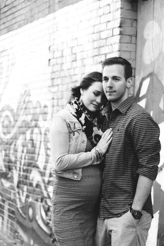 Maternity photo ideas for the urban family photo by ezer for Urban family photo ideas