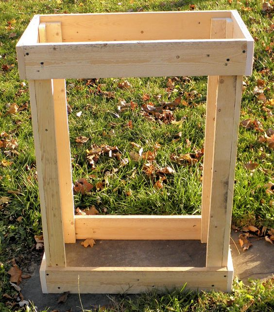 How To Make A Rustic Pallet Cabinet - Construction