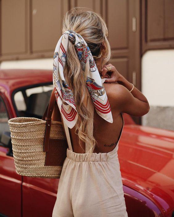 Pañuelos para el cabello, cintas para el pelo, pañuelos para peinados, anudados en el pelo, peinados con pañuelos.  #Pañuelos #cabello #cintas #pelo #peinados #anudadosenelpelo
