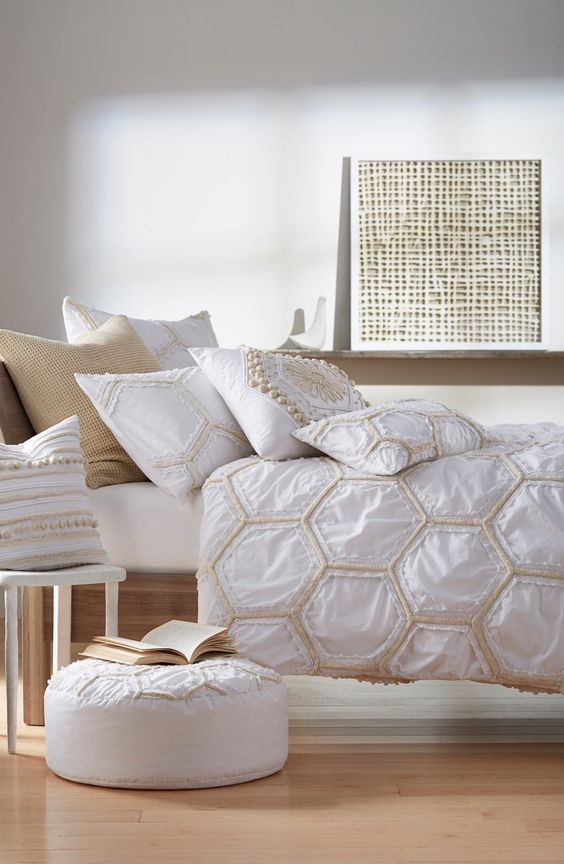 tufted lace honeycomb duvet