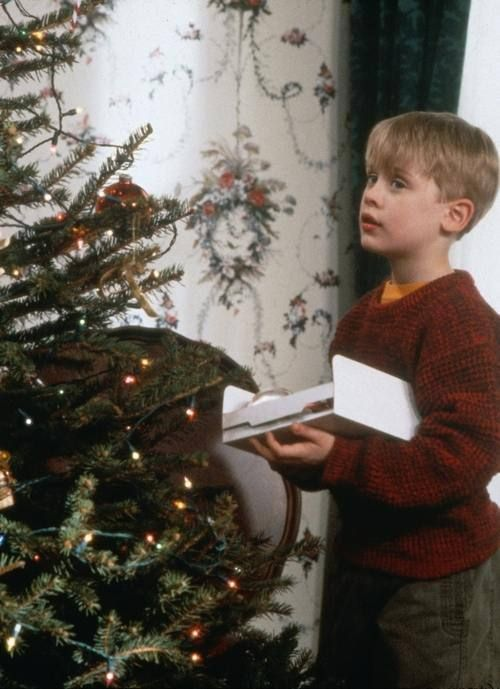 Christmas movies list home alone 1990 and home alone for Wallpaper home alone