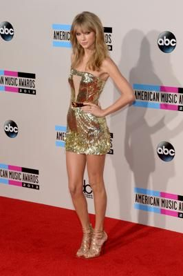 LOS ANGELES, CA - NOVEMBER 24: Singer Taylor Swift attends the 2013 American Music Awards at Nokia Theatre L.A. Live on November 24, 2013 in...: 2013 American, Red Carpet, Style Dresses