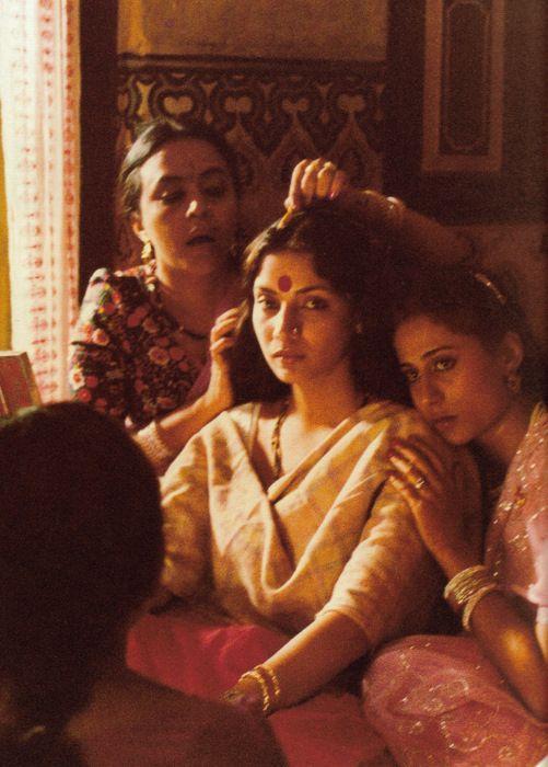 Smita, Shabana and Ila Arun in Shyam Benegal's Mandi