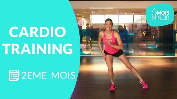 Suivez Lucile Woodward, coach sportif, dans une séance de cardio-training pour perdre du poids. Si vous débutez, n'hésitez pas à reprendre les séances de      cardio ,  tonification musculaire  et  stretching du 1 er  mois.    Pour obtenir des résultats,  mangez équilibré   et si vous le pouvez, faites vous accompagner d'un nutritionniste.   >> A pratiquer plusieurs fois par semaine et à combiner avec la séance de   renforcement musculaire du 2eme mois  . Pensez également à pratiquer la…
