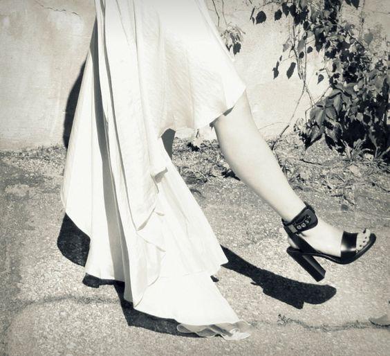 Balenciaga heels Lainahöyhenissä/Lily