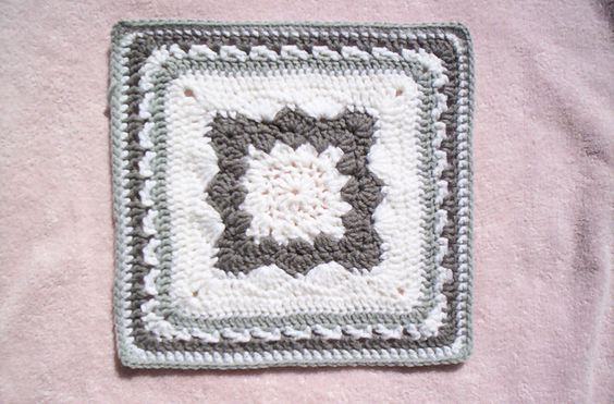 Ravelry: Project Gallery for Hint of Spring pattern by Sally Ives