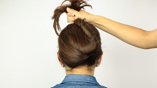 4 Ways To Put Your Hair Up With A Jaw Clip Wikihow In 2020 Long Hair Clip Hair Styles Clip Hairstyles