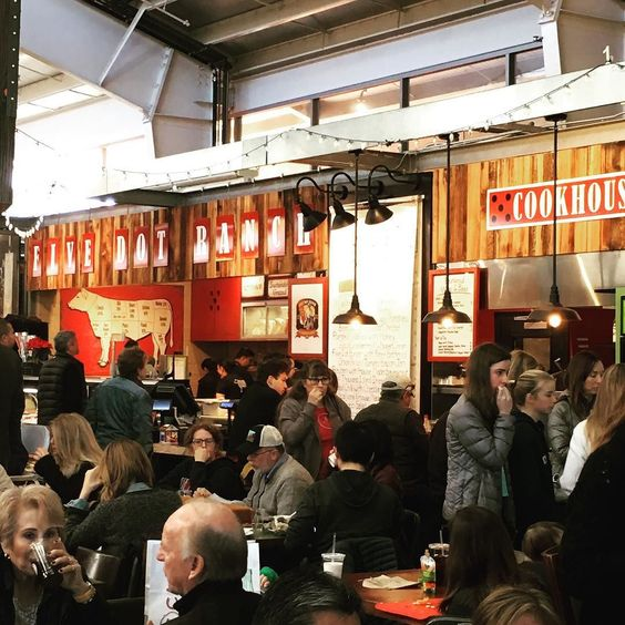 It's hopping at Oxbow Public Market. Most merchants and restaurants open until 4 pm. #happynewyear #2016 #oxbowmarket #donapa #visitnapavalley #napavalley #oxbowpublicmarket #oxbowdistrict by oxbowpublicmarket