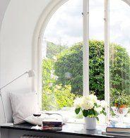 6 idées simples pour décorer son rebord de fenêtre - Marie Claire Maison