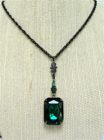 Emerald Green Necklace Antique Brass Vintage by pink80sgirl, $52.00