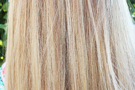 Cheveux tout doux: Laissez tremper, pendant 30 minutes, 2 cuillérées à soupe de flocons d'avoine dans un bol d'eau. Filtrez et appliquez cette préparation sur vos cheveux mouillés. Laissez agir une dizaine de minutes, puis rincez plusieurs fois à l'eau fraîche.