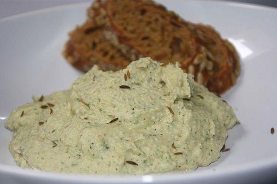 Witte bonen-humus met koriander en komijn