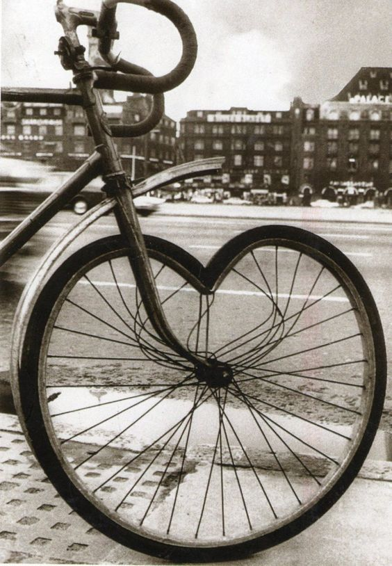 Love: Bike Heart, Heart Valentines, Heart Bicycles, Bicycle Heart, Bike Bicyclette Bicicleta, Bicycles Hearts, Heart Wheel