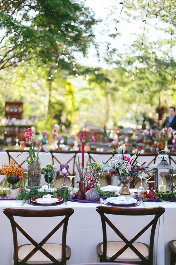 de casamento boho  mesa de convidados  roxo, vinho e rosa